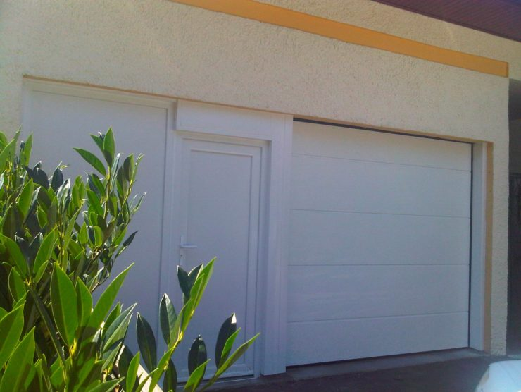 Boutique_Menuisier_Porte_garage_Porte_PVC