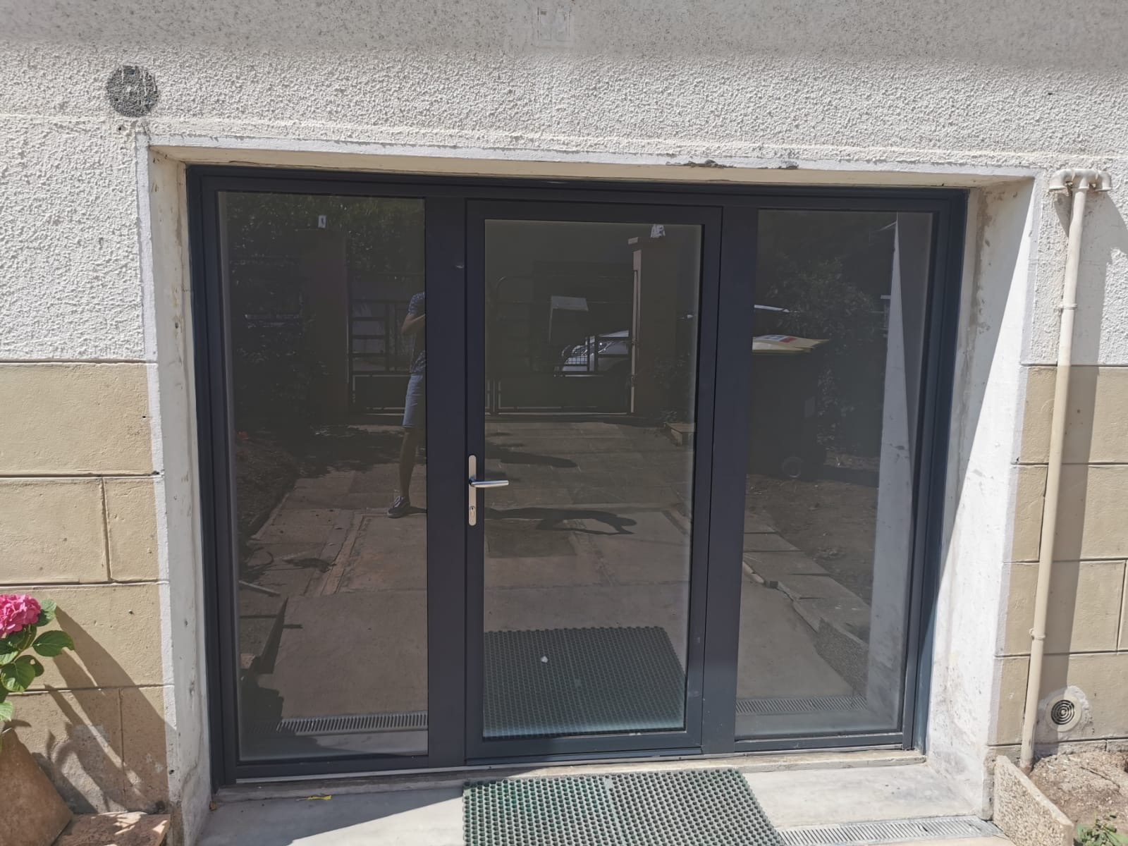 bpi-la-boutique-du-menuisier-beynost-porte-entree-aluminium